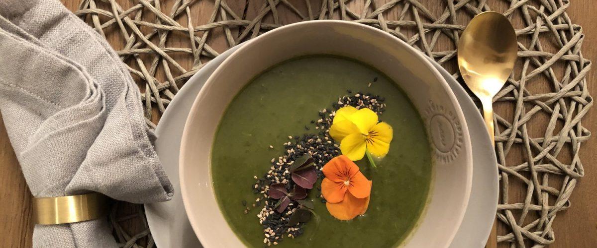 Detox-Suppe – oder Spinat-Kräuter-Süppchen